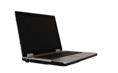 Širokoúhlý notebook s DVD vypalovačkou a atraktivní cenou