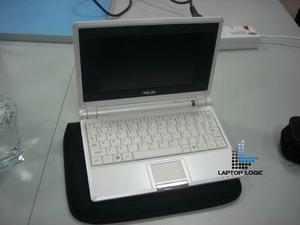 "Asus a Eee PC 8G model s 10"" displejem"